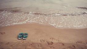 Bascules électroniques sur la plage Images libres de droits