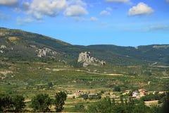 Basculez avec Castillo De Loarre près d'Espagnol Pyrénées Photo stock