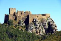 Basculez avec Castillo De Loarre près d'Espagnol Pyrénées Photos libres de droits