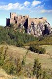 Basculez avec Castillo De Loarre près d'Espagnol Pyrénées Images stock