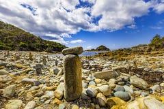 Basculez le cairn en parc national de roches de mimosa, NSW, Australie photographie stock