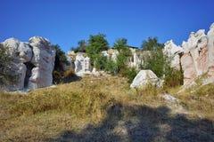 Basculez le mariage en pierre de phénomène près de la ville de Kardzhali images stock