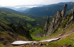 Basculez les flèches le long de l'arête de Chornohora, les Carpathiens Photo libre de droits