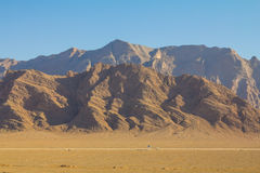 Basculez les montagnes dans le désert près de Yazd, Iran Image libre de droits