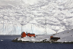 Base argentine - baie de paradis - l'Antarctique images stock
