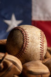 Base-ball et gant de cru Photo libre de droits