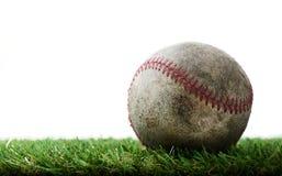 Base-ball sur l'herbe photo libre de droits
