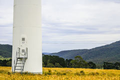 Base da turbina do ind na exploração agrícola Fotografia de Stock
