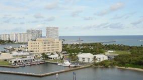 Base de la garde côtière des USA en Floride du sud banque de vidéos