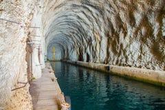 Base ou porto naval subterrâneo em antiga Jugoslávia Imagem de Stock Royalty Free