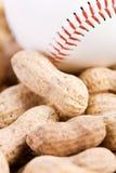 Baseball: Baseball och jordnötter Arkivfoto