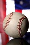 Baseball e bandiera americana Fotografie Stock