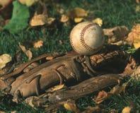 Baseball e guanto di baseball Fotografia Stock Libera da Diritti
