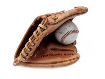 Baseball e guanto mezzo Fotografia Stock