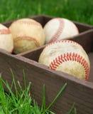 Baseball in einem hölzernen Kasten stockbild