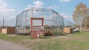Baseball-Feld bei Tempelhofer Feld, Haus von Berlin Braves In Berlin stock footage