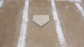 Baseball horizontaler Pan Home Plate Chalk Lines stock footage