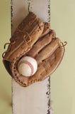 Baseball i rękawiczka zdjęcia stock