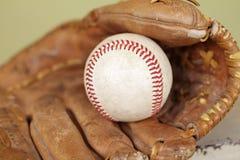 Baseball i rękawiczka zdjęcia royalty free