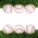 baseball Palle su erba verde isolata Fotografie Stock