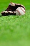 Baseball piłka i młyn zdjęcie royalty free