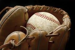 Baseball piłka i mitenka Zdjęcia Royalty Free