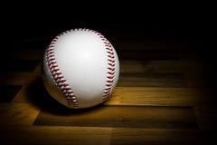 Baseball piłka w lekkim obrazie obraz stock