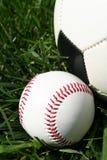 Baseball und Soccerball Stockfotografie