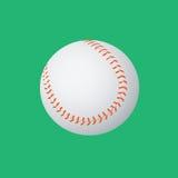 Baseballball auf einem Grün Stockfotos