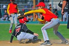Baseballe Safe an 3. Stockfoto