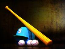 Baseballhjälmen, slagträ, klumpa ihop sig Arkivbilder