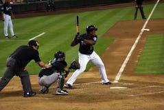 Baseballplattenschiedsrichter, Fänger, geschlagener Eierteig bei der Arbeit Lizenzfreie Stockbilder