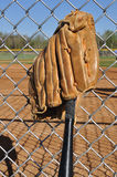 baseballslagträhandske Arkivfoto