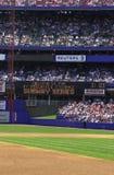 Baseballstadion med fans Royaltyfri Bild