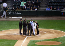 Basebol de MLB - encontro dos gerentes e dos árbitros Fotografia de Stock Royalty Free