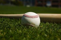 Basebol e bastão Foto de Stock Royalty Free