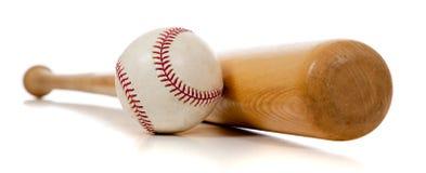 Basebol e bastão de madeira no branco Fotografia de Stock