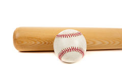 Basebol e bastão no branco Fotos de Stock Royalty Free