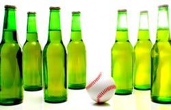 Basebol e frascos da cerveja Imagem de Stock