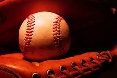 Basebol na luva Fotografia de Stock