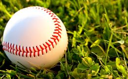 Basebol na parte exterior do campo Imagens de Stock Royalty Free