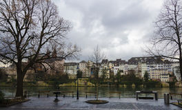 Basel-Bank - Rhein Lizenzfreie Stockfotografie