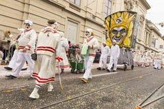 Basel-Karneval 2018 - Gruppe in den im altem Stil Tenniskleidern lizenzfreies stockbild
