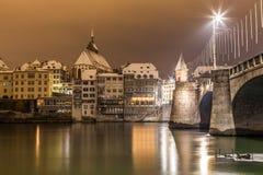 Basel Lakefron och Mittlere Brucke överbryggar Royaltyfri Foto