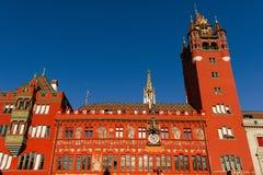 Basel Schweiz - Rathaus stadshus i Marktplatz Royaltyfri Fotografi