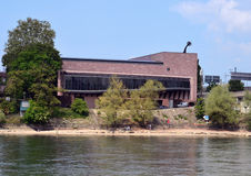 Basel - Tinguely museum f.m. Rhein Arkivbild