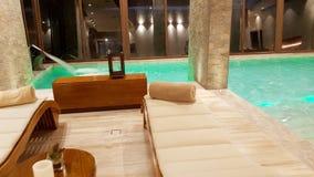 Basen wśrodku prześwietnego Hotelowego «Palacio De Sal «przy wejściem Salar De Uyuni, Boliwia obraz royalty free