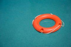 basenu lifebuoy dopłynięcie fotografia stock