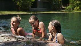 basenu rodzinny szczęśliwy dopłynięcie zbiory