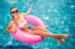 baseny parasoli pływający wody zdjęcie royalty free